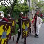 Znak za začetek 100UTVV je dal sam cesar Teodozij.