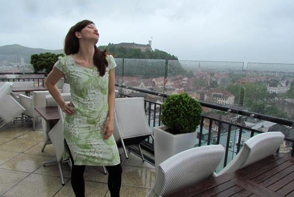 nebotičnik je prava kulisa za fotografiranje nove obleke